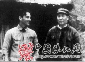 1939年10月,毛泽东会见重访延安的美国记者埃德加·斯诺